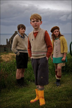 Photo of young cast members.